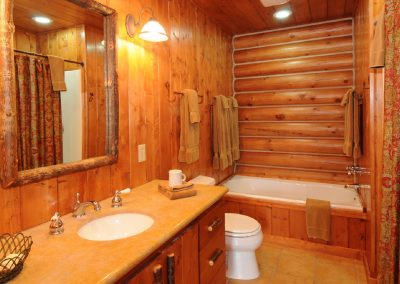 Madison / Yellowstone Bathroom (Separate shower not pictured)