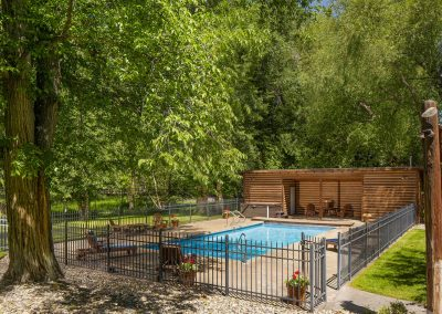 ennis montana pool near yelllowstone